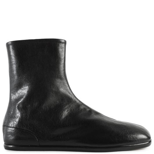 7729c078db5 Flat Tabi Textured Leather Boots